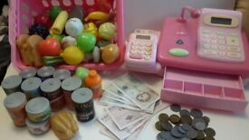 ::: Toy Cash Register from Early Learning Centre :::
