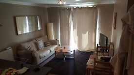 2 Bed Flat. £1,250 Furnished. Parking Available.