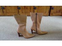 New ladies Hudson boots £40 ono