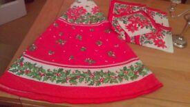 circular Christmas table cloth and napkins
