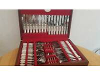 Silver cuttlery set