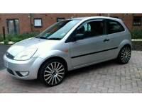 """Ford Fiesta 1.4 Zetec (2003) 17""""in. Wheels."""