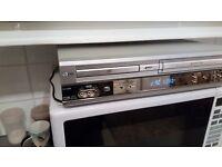 LG DV1000 DVD Player VHS Recorder Silver Combi