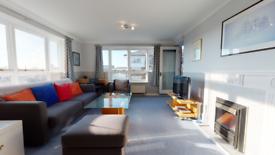 1 bedroom flat in Tudor Court, Princes Riverside Road, London SE16