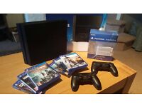 PS4 500GB, 2 controllers + games **6 months old**