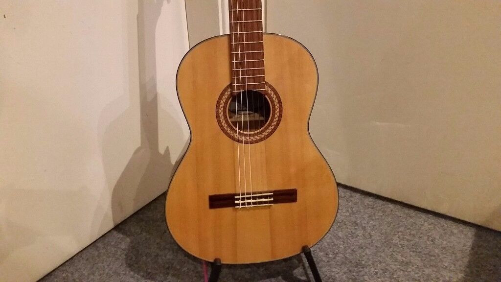 Santos Martinez SM80 Classical Guitar For Sale & Collection Only.