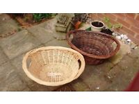 Wicker baskets, ideal for laundry, pets or logs
