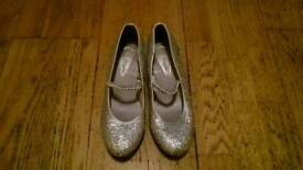 Girls Accessorize Angels Silver Glittery Shoes UK Size 3 ( Adult )