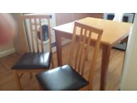 TABLE+2 CHAIRS