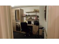 Large Double room in Rugby - Hilmorton Road area