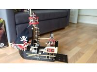le van wooden pirate ship with pirates.