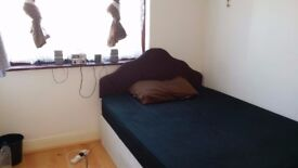 spacious double room to rent - harrow -£100 per week