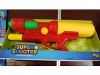 Large water pistol