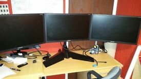 TRIPLE MONITOR AND XFX STAND
