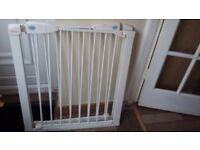 Linden safety gates
