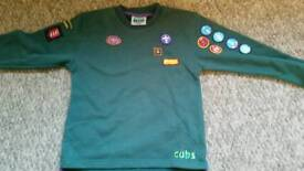 2 x cubs jumpers sizes 26 and 28