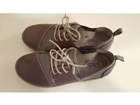 Clarks Cloud Stepper Trainers (Grey)-UK size 4