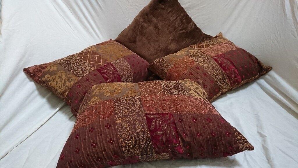 4 Luxury cushions