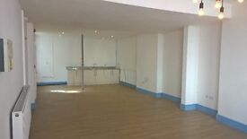 Large Unit Suitable for Retail/Office in Hull's Old Town