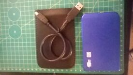 Hi Speed USB 3.0 Portable Hard Disk Drive 700 Gb. Ideal for back ups or Uni Study