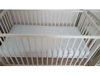 White bed for baby with matress in very good conditions