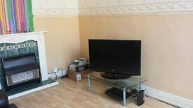 4 BEDROOM HOUSE HAREHILLS LS8 2 GARDENS FURNISHED DECORATED CARPETED MUST SEE PROPERTY