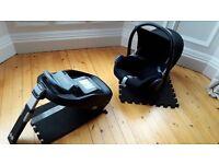 Maxi-cosi -- Isofix base, plus maxicosi 'pebble' seat to go with it (seat suits 0-1 years)