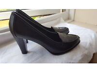 New all leather black women shoes size 6 (39)
