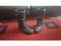 MOTORBIKE BOOTS SIZE 9 GREAT CONDITION,EXTREMLY COMFORTABLE,PLENTY OF LIFE LEFT IN THEM