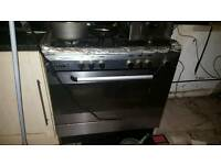 Beaumatic 900cm gas free standing cooker. Large gas oven bargain £49