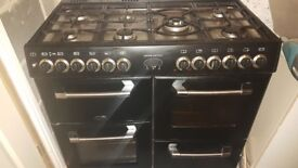 Belling Range Cooker (Kensington) with 6 burner hob and extraction fan £200 ono