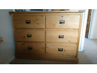 Solid chest of drawers pine wood as new BAIRGAIN