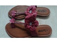 NEW Ladies Womens Floral Sandals size 7/40