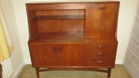 Solid wood sideboard / drinks cabinet - Perfect Upcycling project