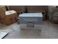 Brand new Toaster (never used)