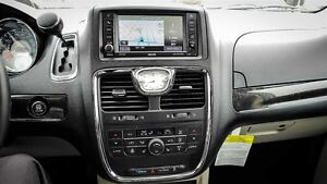 "14 Limited ""Clean Carproof""Nav ,Sunroof, Dual DVDs Remote Start."