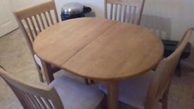 Table and 4 chairs for sale £40 ono