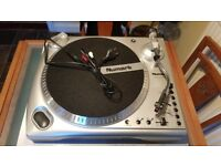Numark TTi USB Turntable with Pitch Control and iPod Dock - Brand new