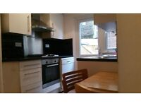 Lovely 2 bed garden flat in Palmers Green, N13
