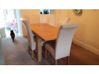 Extendable NEXT oak veneer table