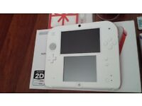 NINTENDO 2DS RED/WHITE + 2 GAMES