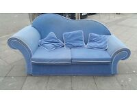 SOFA BED FABRIC IN VERY GOOD CONDITION PULL OUT BED