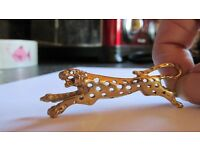 9ct gold jaguar brooch