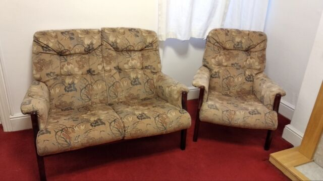 3 Piece Suite 2 Seater Sofa 2 Armchairs In Victoria Park Cardiff