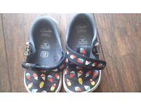 Clarks canvas baby shoes - size 22 W 6W