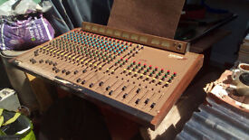 Allen & Heath System 8 - Classic analogue mixing desk