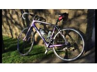 SPECIALIZED ROUBAIX EXPERT FULL CARBON ROAD RACING BIKE. EXCELLENT CONDITION.