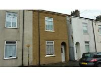 Large Two Bedroom Property Overlooking Park - Division Road - £375pcm