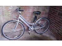 Bike Bicycle Ladies 16inch frame (suitable for tall people as well), very good condition