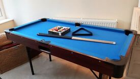 5ft x 2.5ft pool table